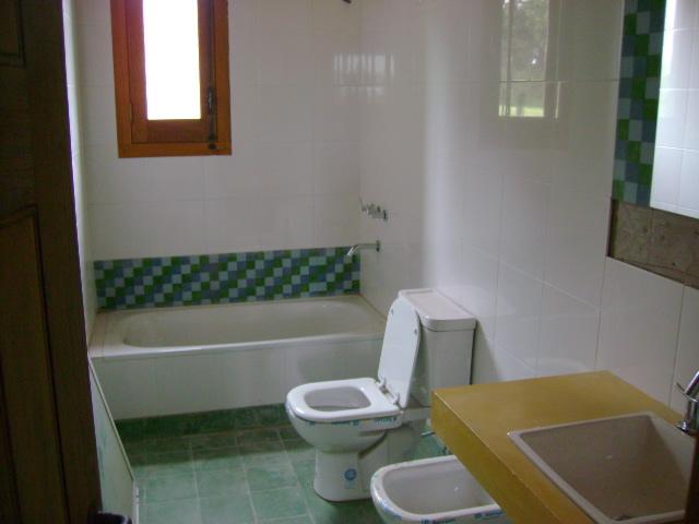 Reciclaje de casas - Banos con microcemento alisado ...